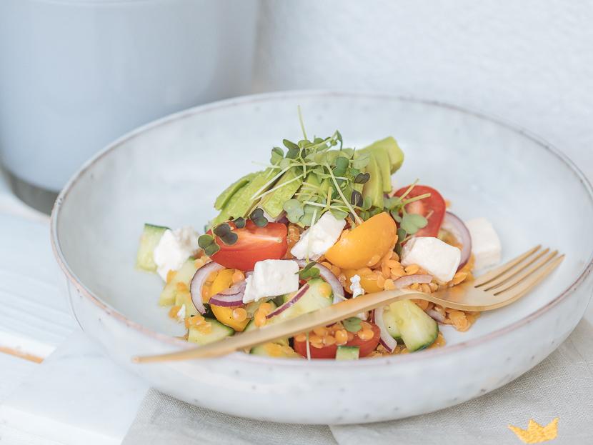 Linsensalat mit Avocado und Feta - perfekt für heiße Tage 3