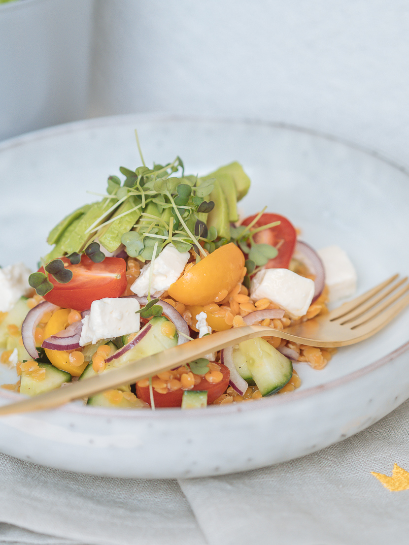 Linsensalat mit Avocado und Feta - perfekt für heiße Tage 1