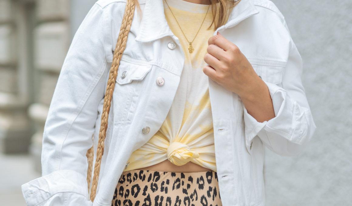 Sommertrend 2019: Batik im Alltag kombinieren,Batik Styling-Tipps, so wird der Streetstyle Trend alltagstauglich, Batik im Mustermix stylen, Batik kombinieren: Tipps, den Tie-Dye-Trend alltagstauglich zu tragen, Das Batik-Muster feiert im Sommer 2019 sein Comeback. Batik-Mode kombinieren und den Dip-Dye-Trend stilvoll tragen, www.amigaprincess.com