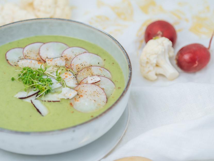 Blumenkohlsuppe mit Kokosmilch und Radieschen 2