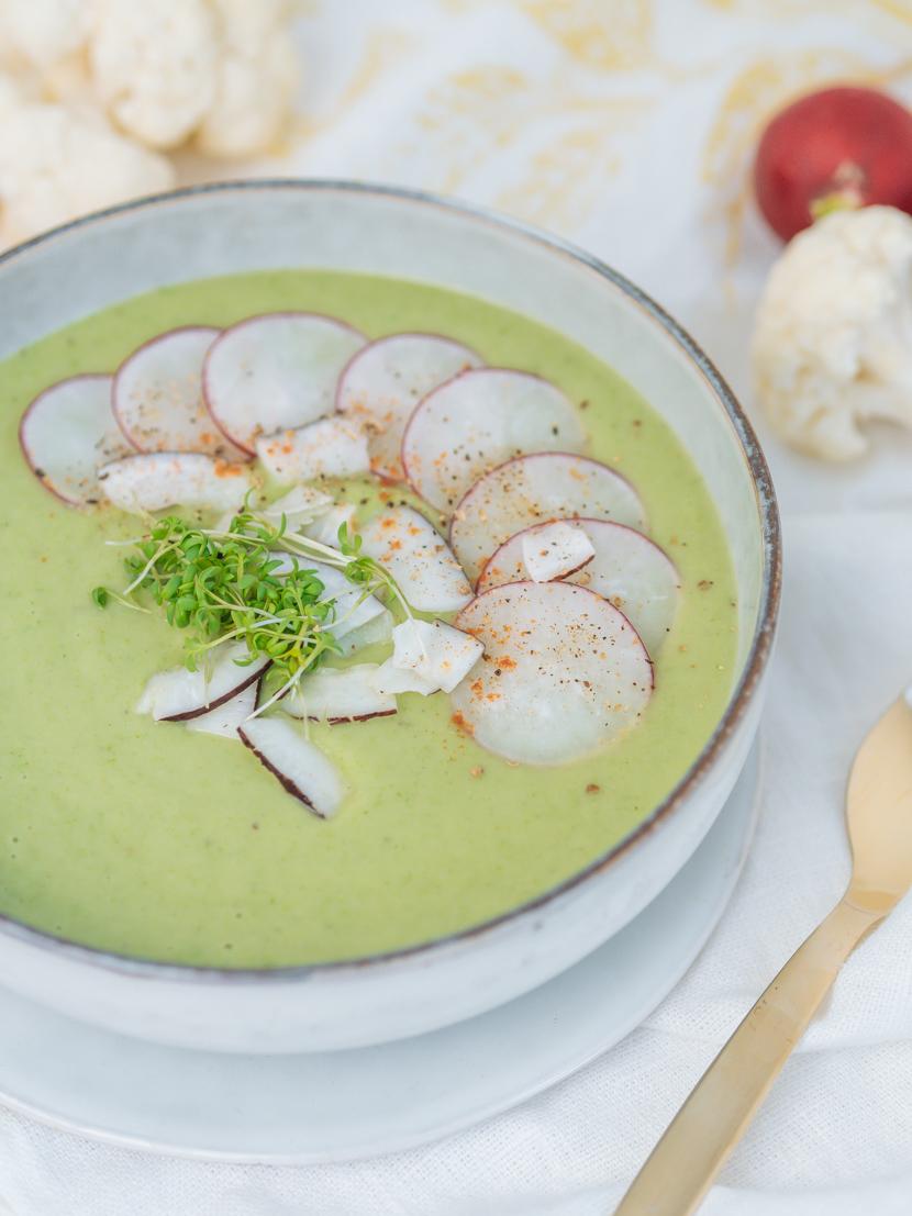 Blumenkohlsuppe mit Kokosmilch und Radieschen 5