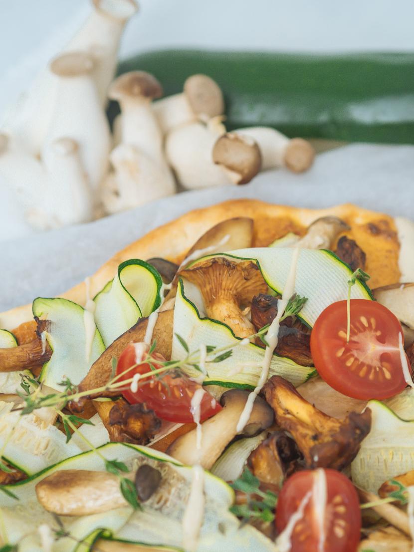 Veganer Flammkuchen mit Pilzen und Cashewcreme 3