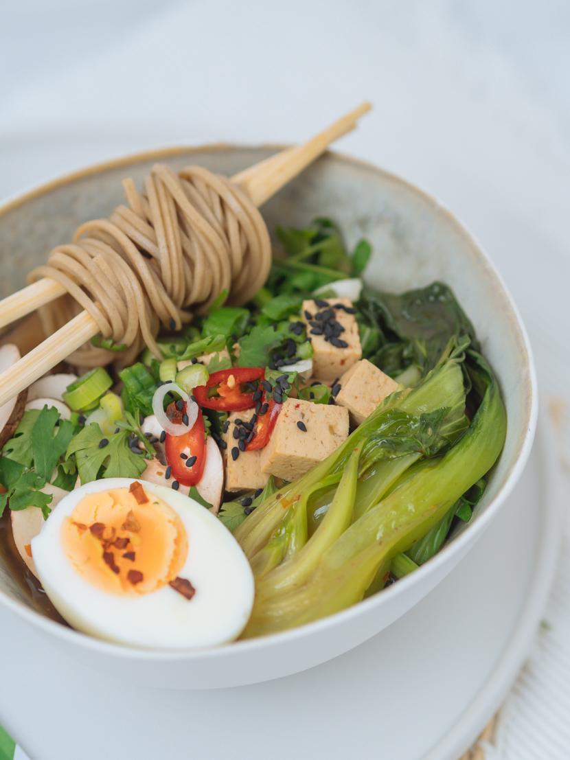 Einfaches, vegetarisches Ramen Rezept mit Tofu 6
