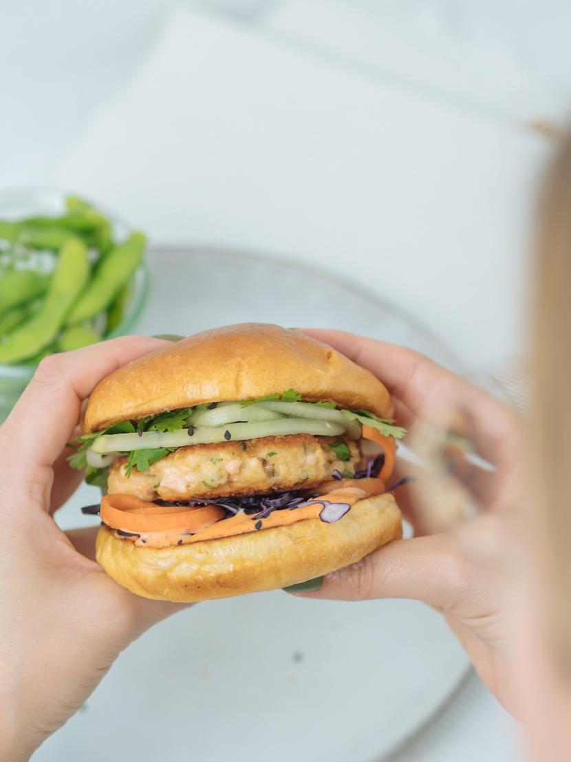 Einfaches und schnelles Rezept für Asia Lachs Burger 2