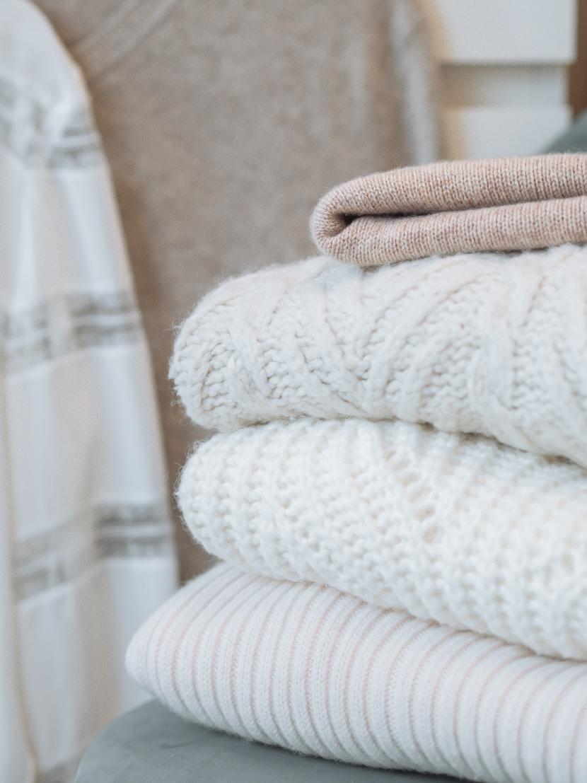 Empfindliche Kleidungsstücke richtig waschen: Pflegetipps für Seide, Kaschmir und Co. 1