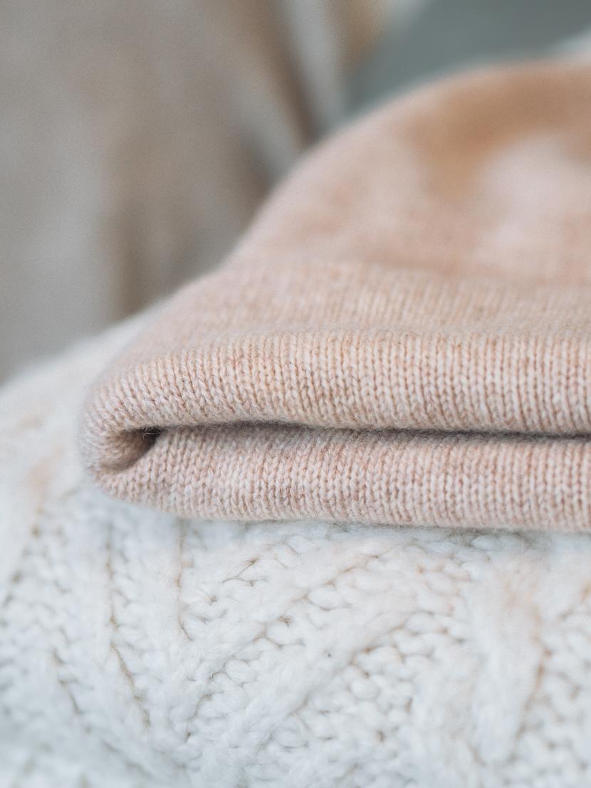 Empfindliche Kleidungsstücke richtig waschen: Pflegetipps für Seide, Kaschmir und Co. 4
