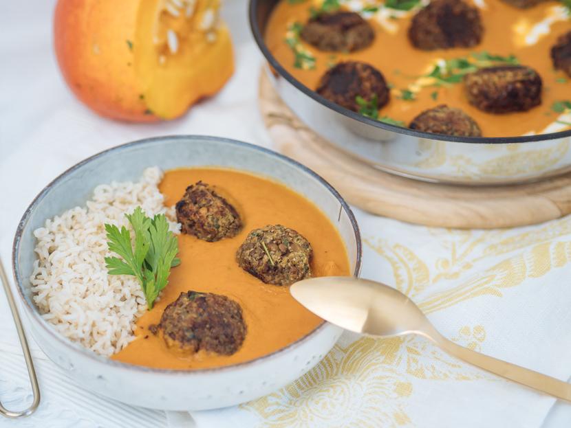 Vegane Fleischbällchen aus Linsen mit Kokos-Kürbis-Sauce 1