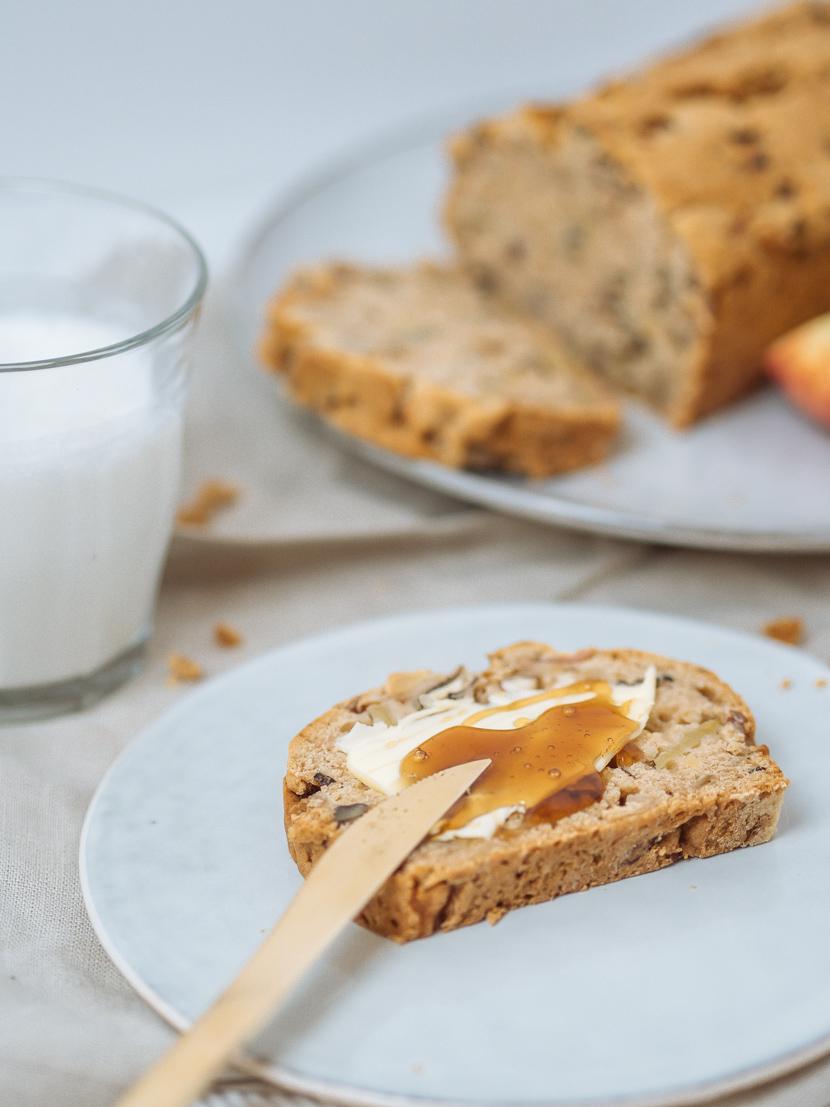 Veganes Apfelbrot mit Pekannüssen - die herbstliche Alternative zu Bananenbrot 7