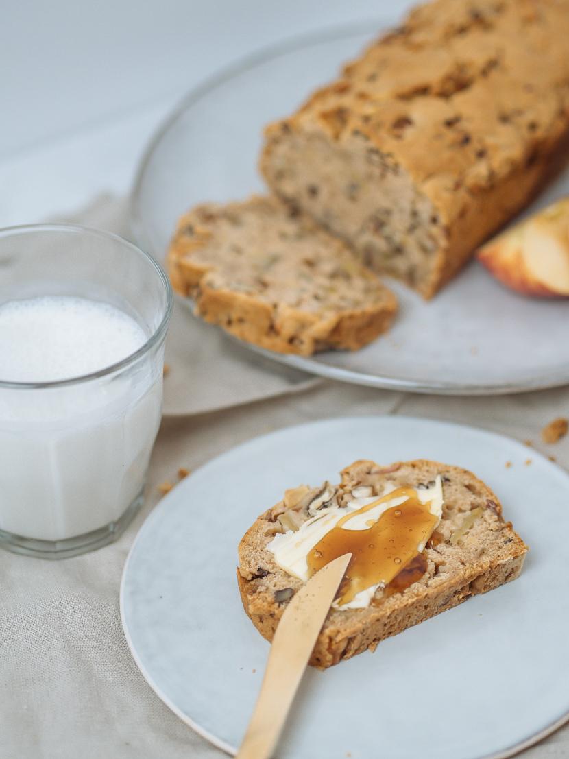 Veganes Apfelbrot mit Pekannüssen - die herbstliche Alternative zu Bananenbrot 5
