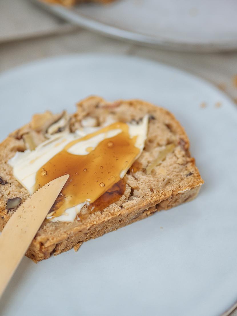 Veganes Apfelbrot mit Pekannüssen - die herbstliche Alternative zu Bananenbrot 4