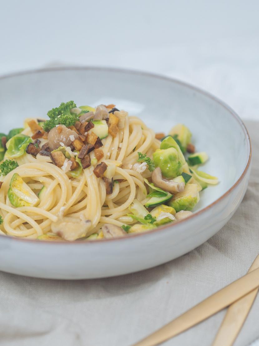 Spaghetti mit Maroni, Kohlsprossen und knusprigem Tofu 6